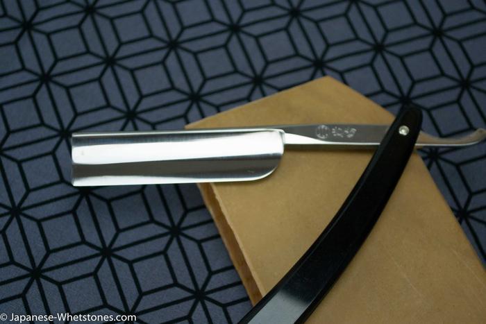 Name:  0396-Iwasaki-western-tamahagne-straight-razor-wade-butcher-Nakayama-kiita-asagi-razor-hone-sharp.jpg Views: 307 Size:  38.5 KB