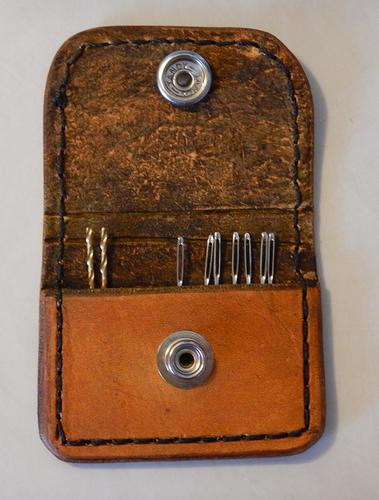Name:  Leather Needle Pouch (2).jpg Views: 166 Size:  29.8 KB