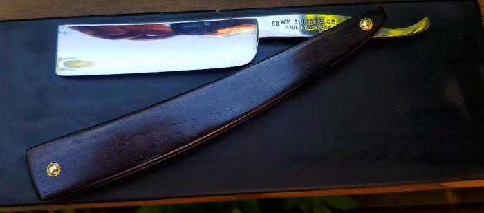 Name:  WM Elliott in African Blackwood Front View Reddish Tint onSB Arkie.jpg Views: 94 Size:  19.7 KB