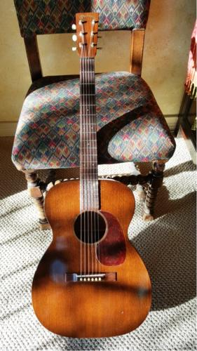 Name:  Guitar.jpg Views: 154 Size:  32.9 KB