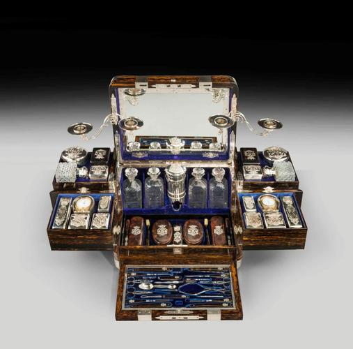 Name:  antique-dressing-travelling-case-Thornhill-silver-fittings-large-rare-Tient-Ferme-gentlema-1024x.jpg