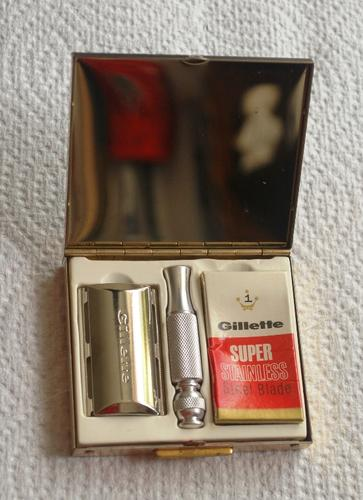 Name:  Gillette Travel Razor L4 1966 (4).jpg