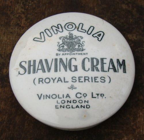[Imagem: 141895d1380507999-antique-shaving-cream-pot-lids-06.jpg]